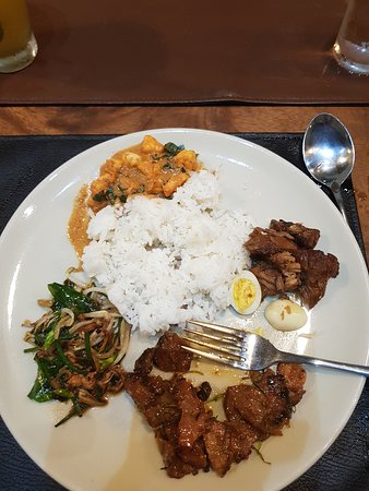 Half-Day Communal Dining Experience in Koh Samui: A wee bit of everything