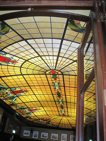 Peters Brauhaus: Glass ceiling