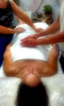 Humankind 4-Hands Reiki healing