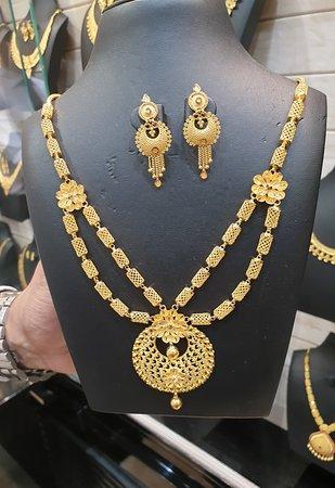 Dubai Gold Souk: necklace set