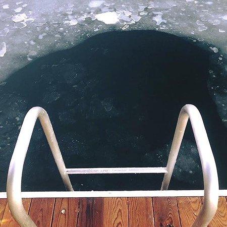 Ice bathing next after sauna