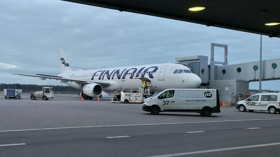 Finnair: A321 from Stockholm at Gate 20