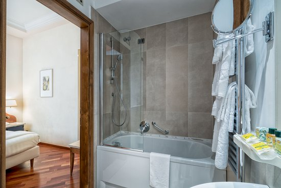 Pitti Palace al Ponte Vecchio: Bathroom Superior Double room