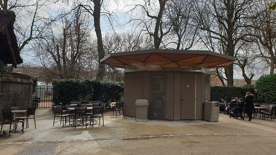 Ménagerie, le zoo du Jardin des Plantes: Espace restauration.