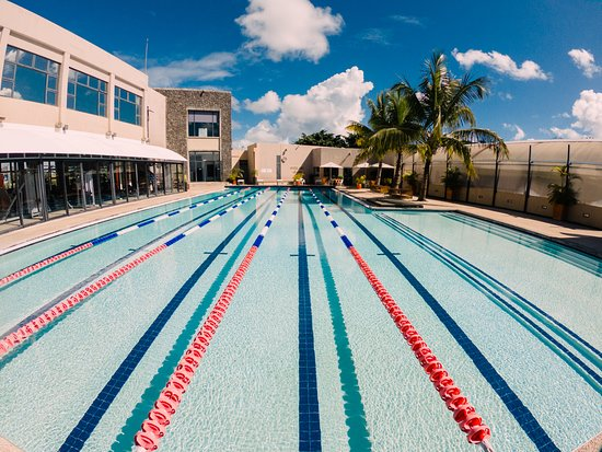 Grand Baie La Croisette: Semi Olympic Pool with Swimming lessons and special Aquagym classes.