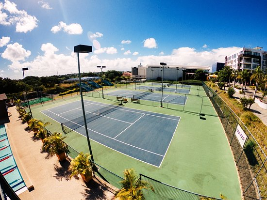 Grand Baie La Croisette: 4 Tennis Courts (with lights) in Rebound Ace (Australian Open Surface).