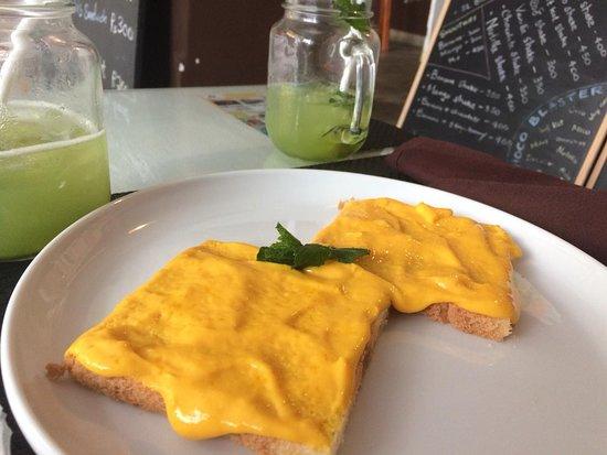 Cafe YOLO Kandy – kép