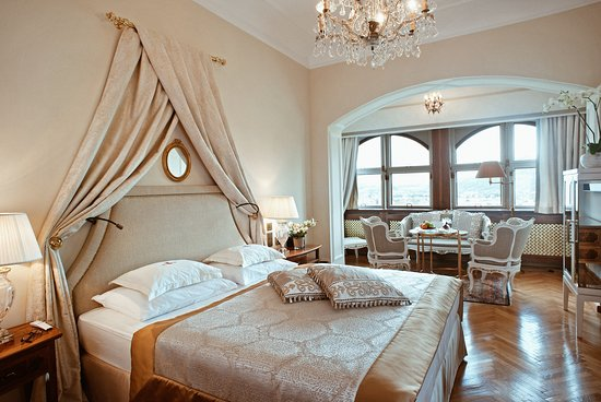 Hotel Schloss Monchstein: Schloss Suite