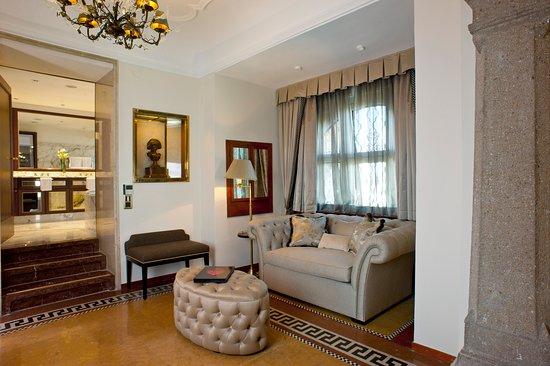 Hotel Schloss Monchstein: Suite