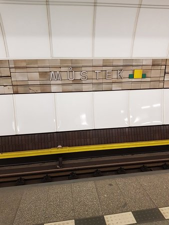 Prague Metro: Cool transport system