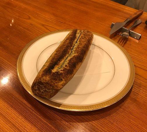 Bistrotoki: 包み焼きしたラム肉を取り出した後のパン