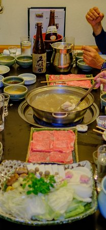Shabuzen, Kyoto Gion: Wagyu beef and veggies for the shabu shabu