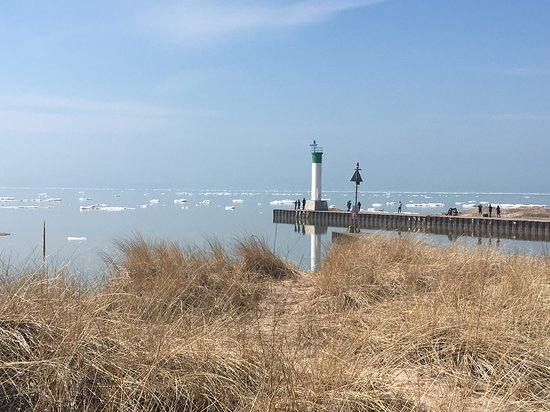 Grand Bend Beach: Pier at Grand Bend