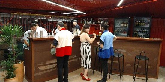 Espaco DO AR: bar