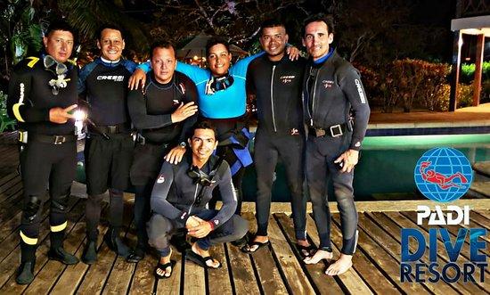 Departamento de San Andrés y Providencia, Colombia: Ven y disfruta de la mejor experiencia de buceo nocturno!! Con los mejores Instructores.. con más de 19 años de experiencia y más de 18.0000 mil buceos
