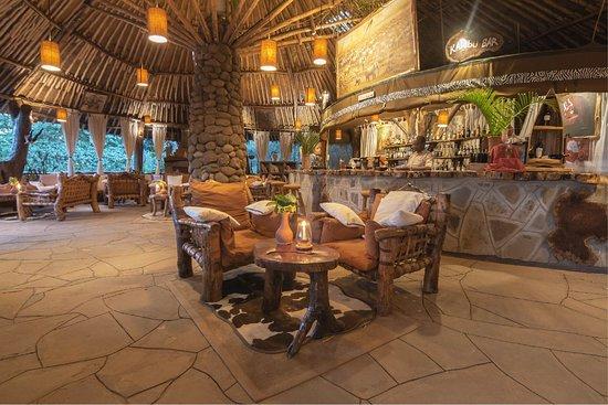 Kibo Safari Camp: Bar Lounge