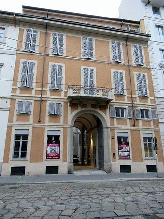 Palazzo Corso di Porta Romana 17