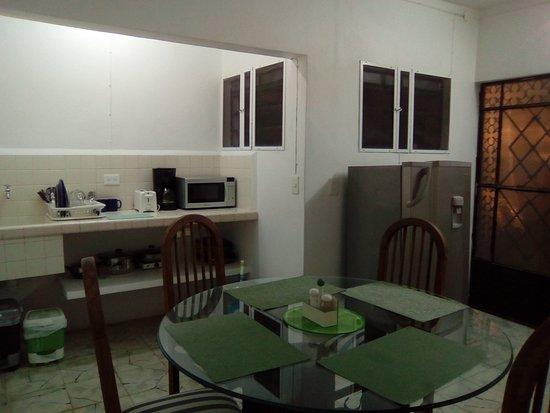 Mi Ca-sa en Merida: Apartamento 1: Sala-comedor
