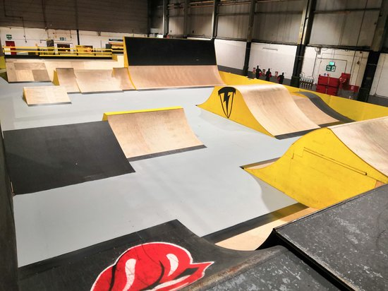 Bangor, UK: The main arena. Ramps here are ideal for Scooter / BMX / Inline and MTB