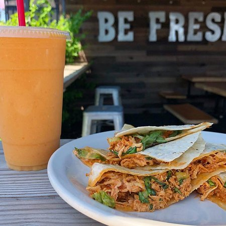 Our tasty seasoned tinga sincronizada melt is so colorful and delicious! Try this combination with our signature BeFresh smoothie! 🧡#summertime #summervibes #lunchideas #freshlunch #befreshlocal #befreshsd #sincronizada