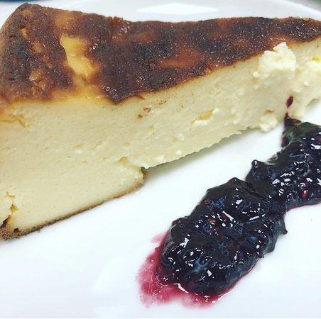 Cafeteria Oleas: Tarta de queso con confitura de Arandanos casera