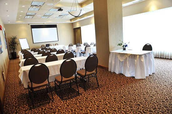 Best Western Premier Chateau Granville Hotel & Suites & Conf. Centre: Burrard Room Classroom Set-Up