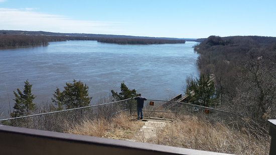 Southerly view from Julien Dubuque monument overlooking the Mississippi River at Dubuque