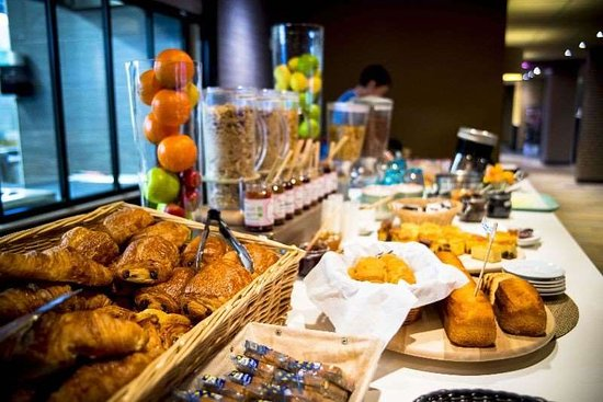 Brit Hotel Saint-Brieuc Plerin: Restaurant
