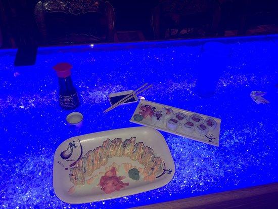 Zen Japanese Steakhouse and Sushi Bar: Sushi lovers!!!