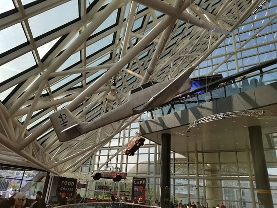 Rock & Roll Hall of Fame: Lobby
