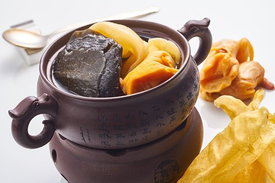 Yuexuan Chinese Restaurant: Steamed baby turtle soup with fish maw and sea whelk