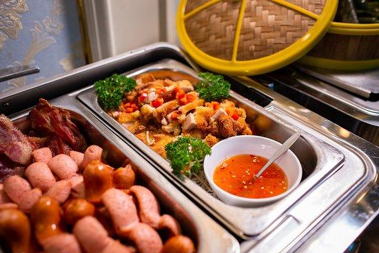 أنجل بالاس هوتل: Buffet breakfast