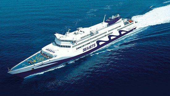 Superjet is not super - Review of SeaJets, Santorini, Greece