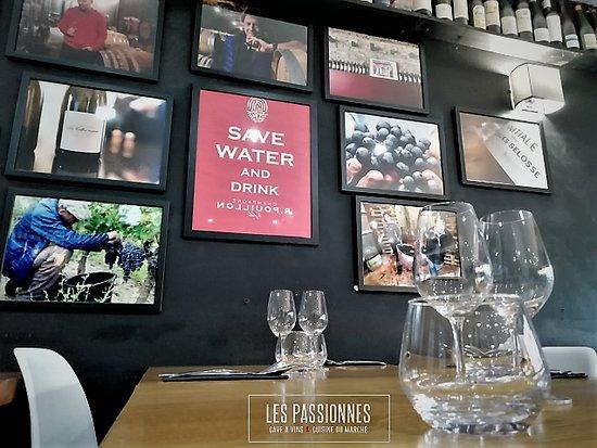 Les Passionnes: Cadre convivial et chaleureux atour du vin et des bons produits !