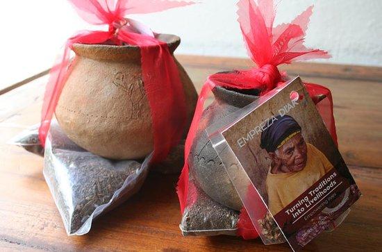 ดิลี , ติมอร์ตะวันออก: Grow your herbs kit with traditional Sanan Rai (pots) from Atauro