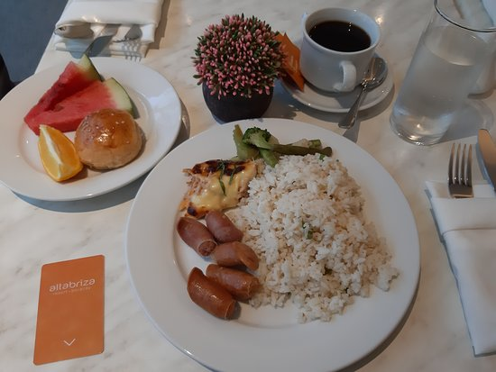 Altabriza Resort Boracay: breakfast at tangerine