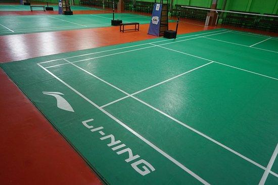 Myko Hotel & Convention Center Makassar: MYKO dilengkapi oleh 4 lapangan badminton berstandard International lengkap dengan fasilitas gym, spa, billiard maupun trampoline park.