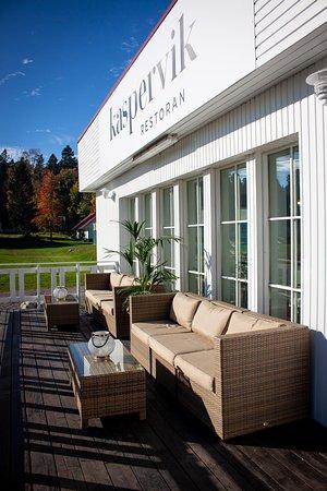 Kaspervik restaurant: We have a sunny terrace.
