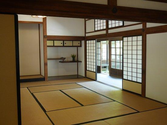 Chofu Mori Residence: 邸宅内の部屋