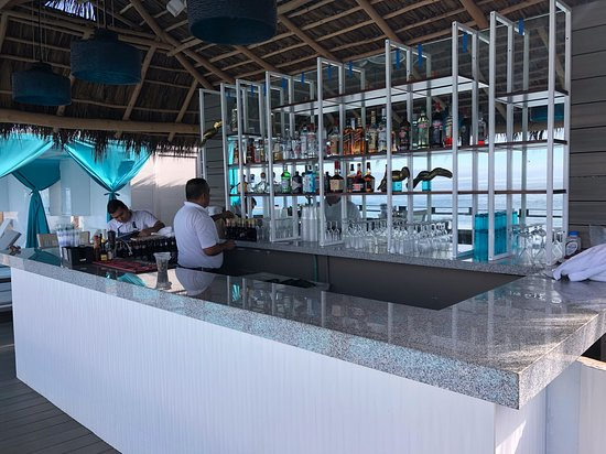 Mantamar Beach Club Bar & Sushi: vip bar