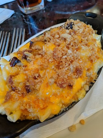 Mac and cheese w/ bacon app.  SO good