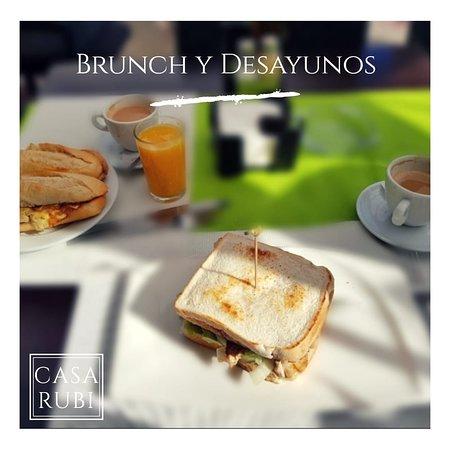 El crujiente del pan por la mañana y el olor a café son sensaciones únicas. #Desayunos, #Brunch y #Meriendas cada día en Casa RUBI, ¿Te apetece? 😋  #gastronomia #breakfast #fuengirola #malaga #costadelsol #restaurantesmalaga #cafeteria #goodday #food #restaurants
