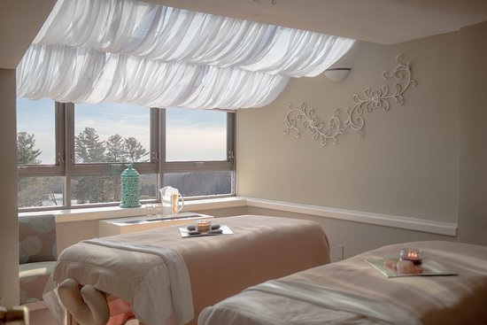 Many of our rooms offer spectacular mountain views.