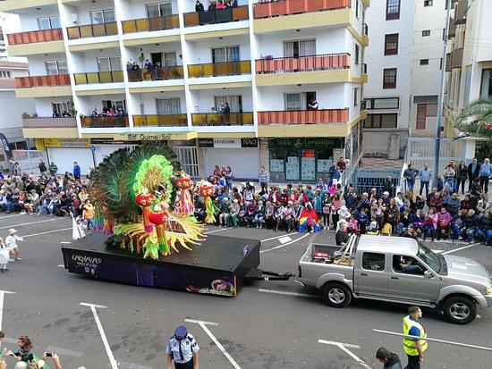 Spectacular!  Main carnival parade  -  Puerto de la Cruz.