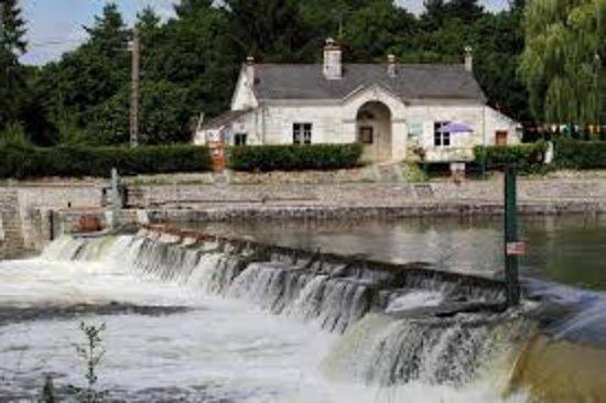 Maison éclusière et barrage a aiguilles