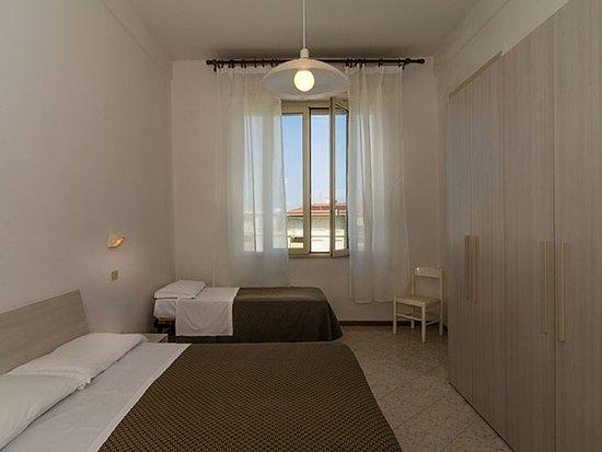 Marina di Pietrasanta, Italien: Una camera A room