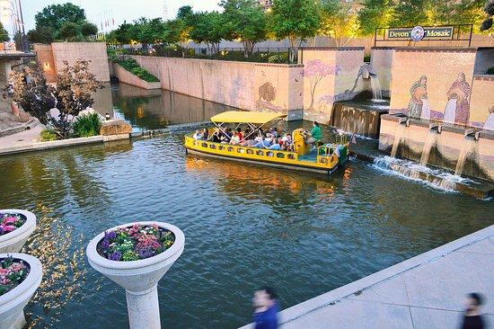 ‪Bricktown Water Taxi‬