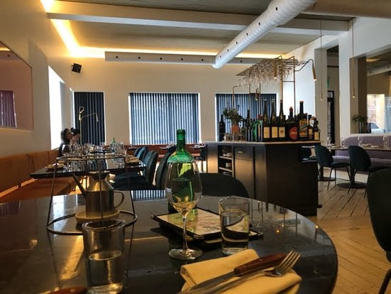 This Is The Beautiful And Elegant Set Up That Well Just Make You Feel So Good When You Eat Picture Of Elena Montreal Tripadvisor