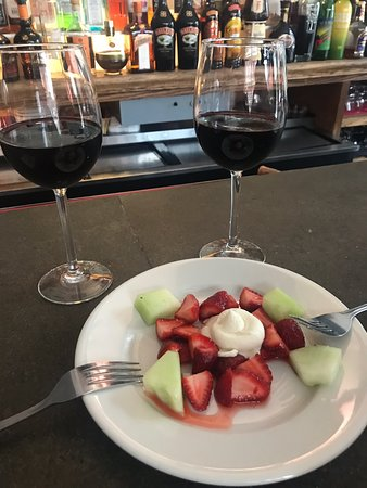 La Dolce Vita : Delicious wine, spectacular service, and a sweet little treat!