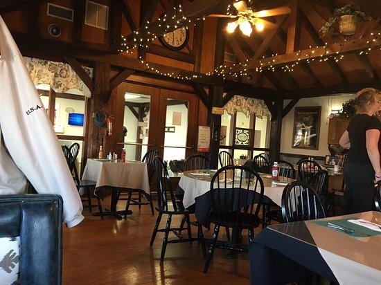 Lumberton, NJ: Dining area